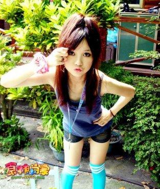 韩国人气广告美女金敏智怪乖巧可爱,兼具女性的纯净之美和清爽可爱